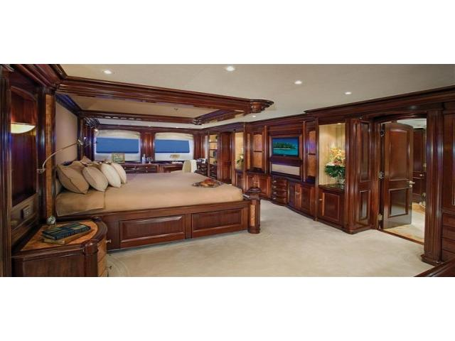 Burger Boats & Yachts for Sale